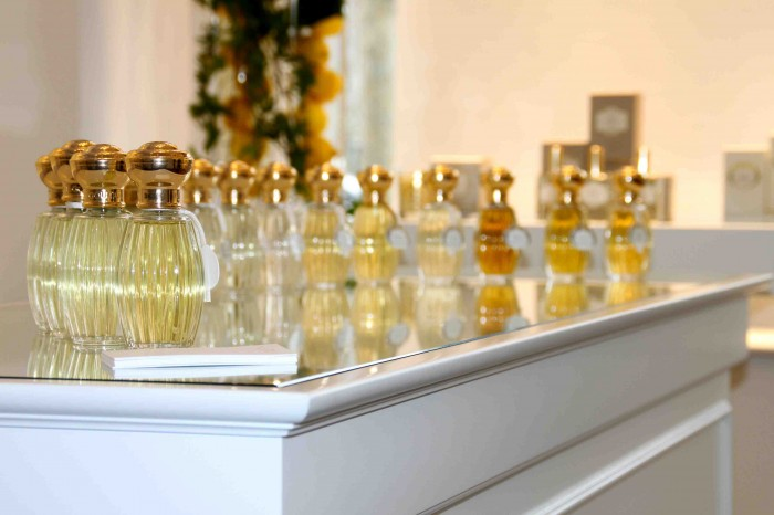ANNICK_GOUTAL_COUNTER