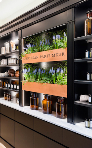 sl19_nosing_lartisan_parfumeur_boutique-1