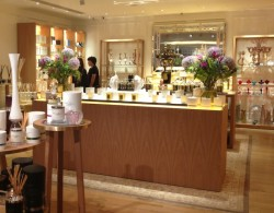 FORTNUMS_CANDLE_ROOM