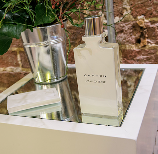 THE SCENT OF A MAN DISCOVERY BOX: Carven L'Eau Intense