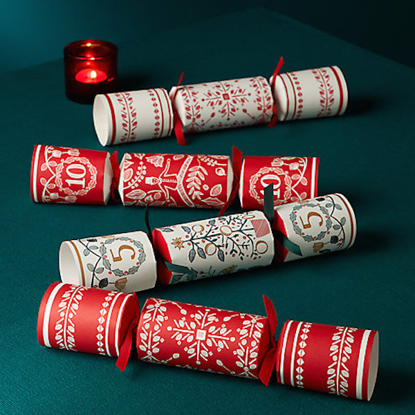 5 ideas for fragrantly-filled homemade Christmas crackers…