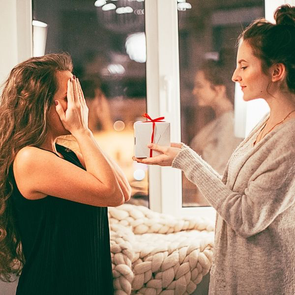 What to do…if you hate your perfume present? 7 tips to try before you cry!