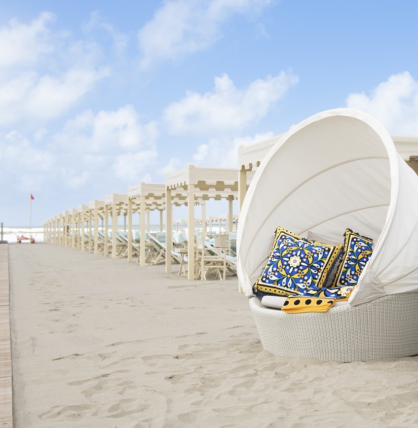 'Acqua di Parma + La DoubleJ take us to the beach'