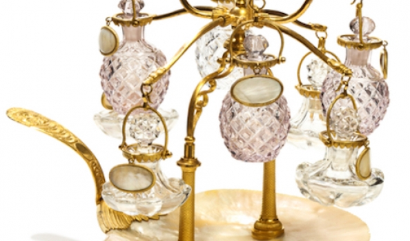 Perfume bottle auction set to stun… feast your eyes on these antique flacons!