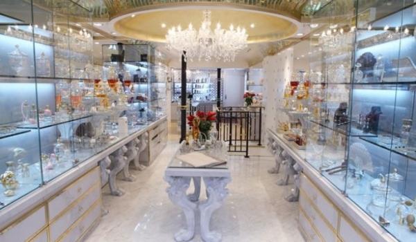 'Perfume shopping in Paris'