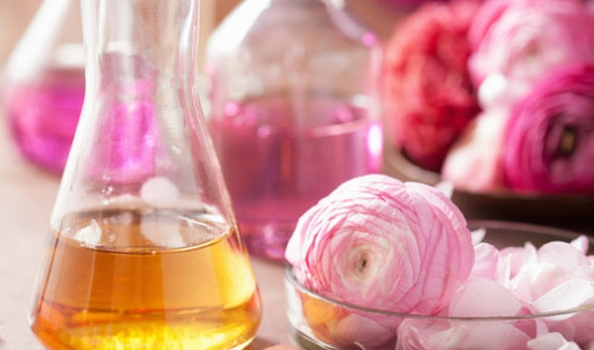 One Week Natural Perfumery Course with Marina Barcenilla – Glastonbury